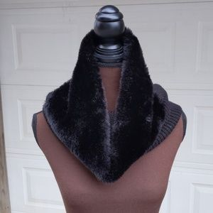 Banana Republic Faux Fur Knit Neck Warmer Infinity